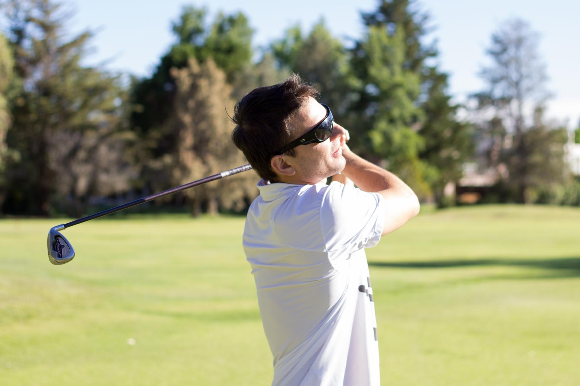 趣味がゴルフならプレゼントに喜ばれるアイテムや選び方