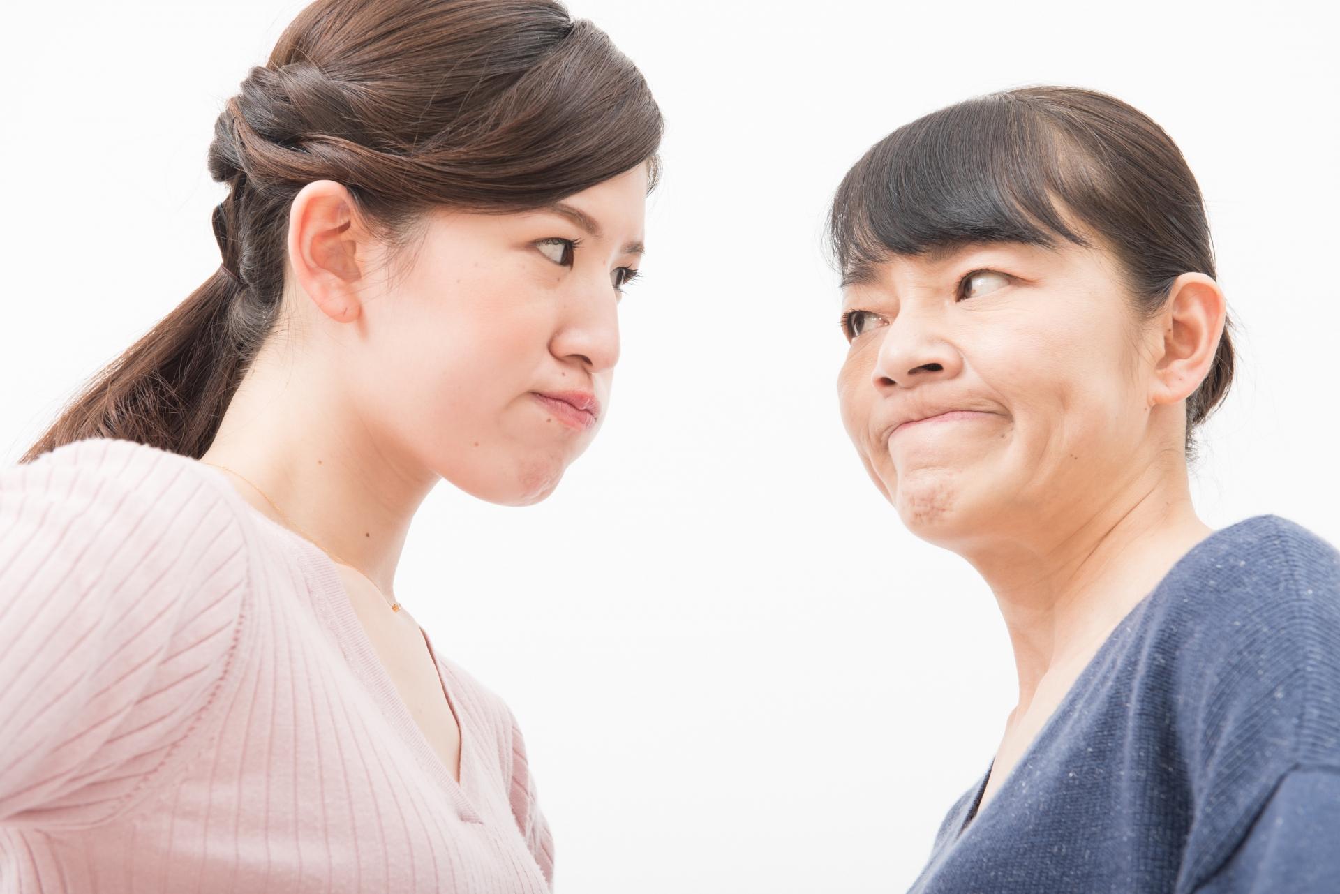 実の母親と性格が合わない!イライラしてしまう原因