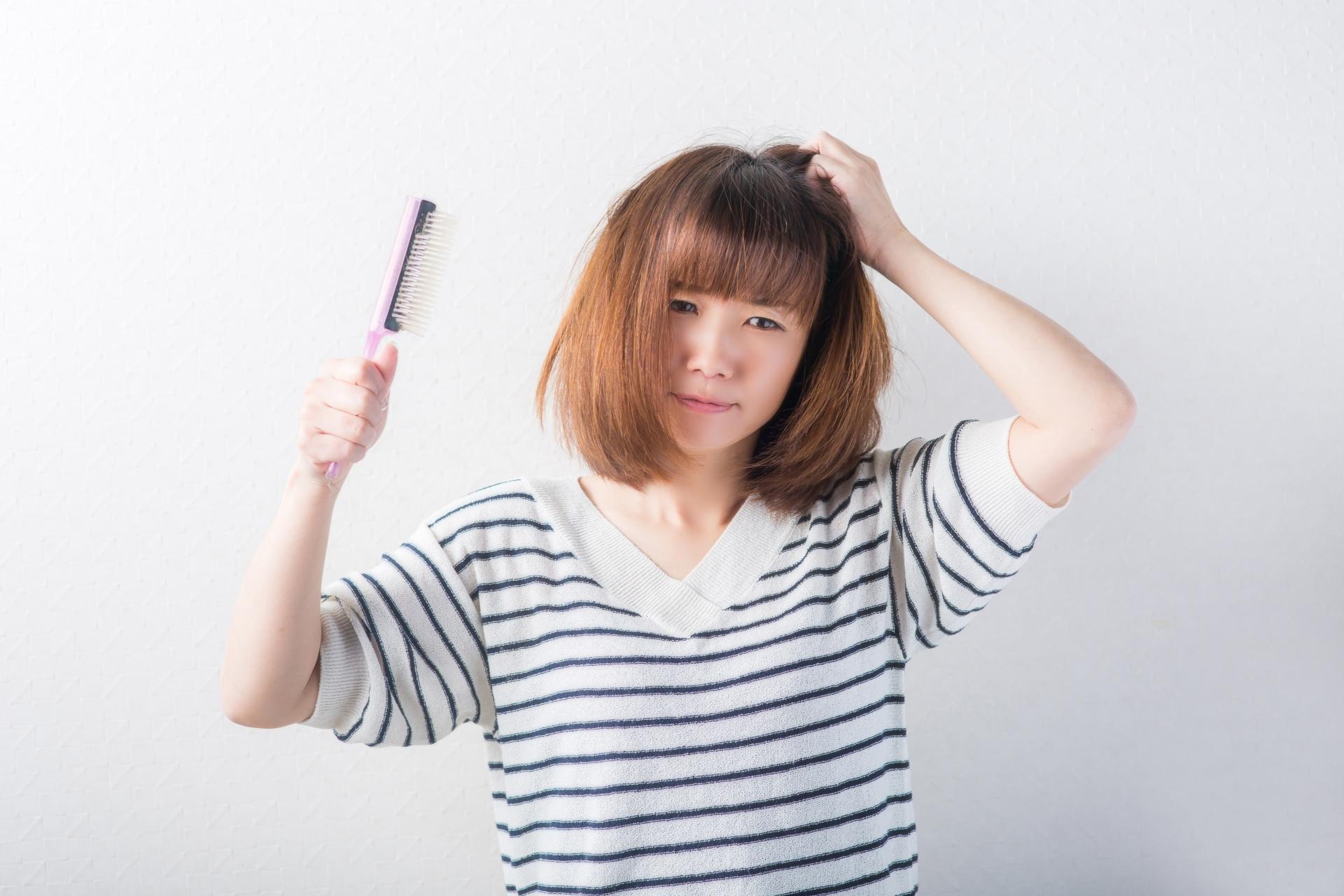 髪の毛は1ヶ月で何センチ伸びる?早く伸ばすための秘訣とは