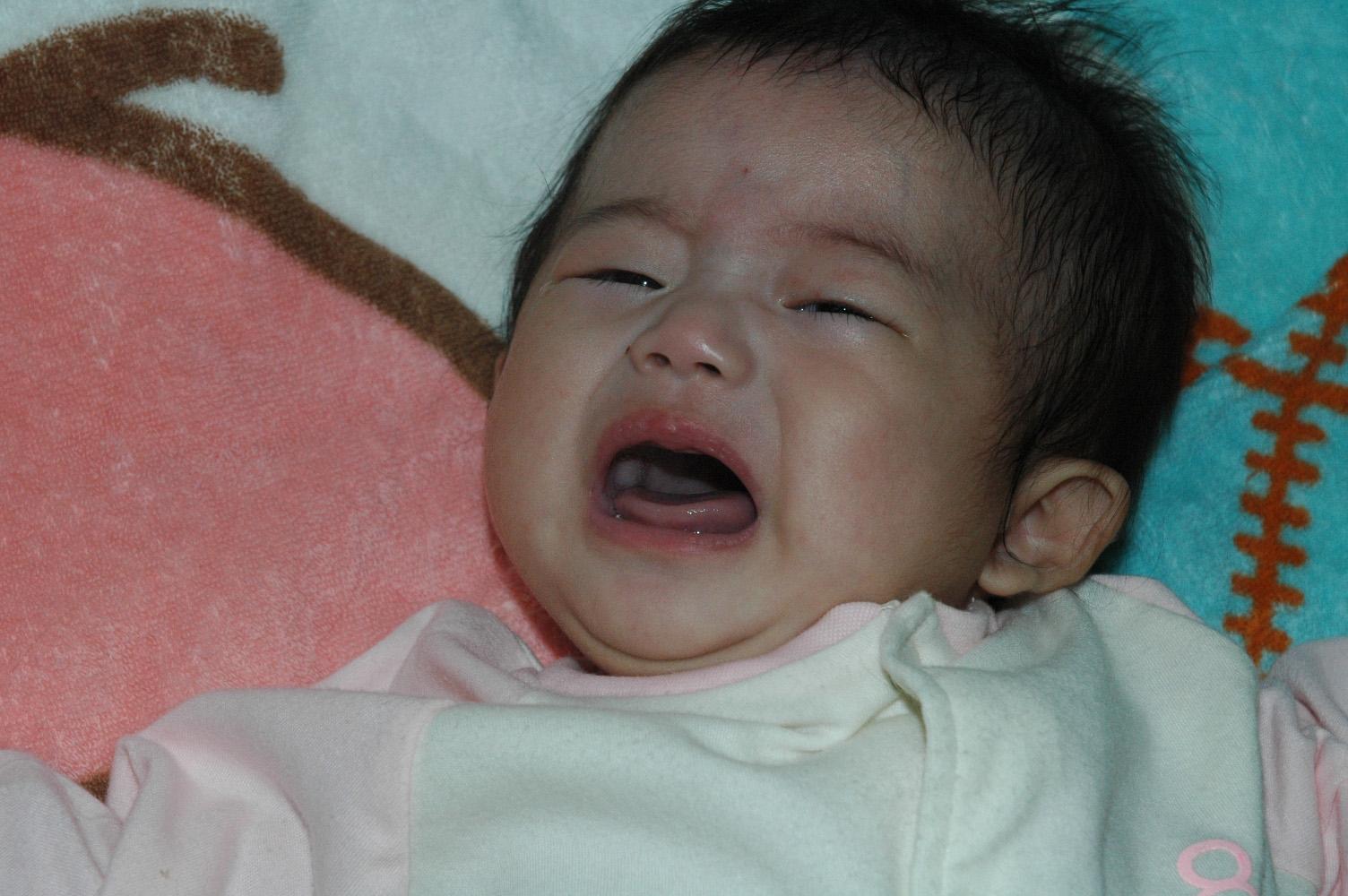 7ヶ月の赤ちゃんの夜泣きがひどいとお困りのママへ原因と対処法