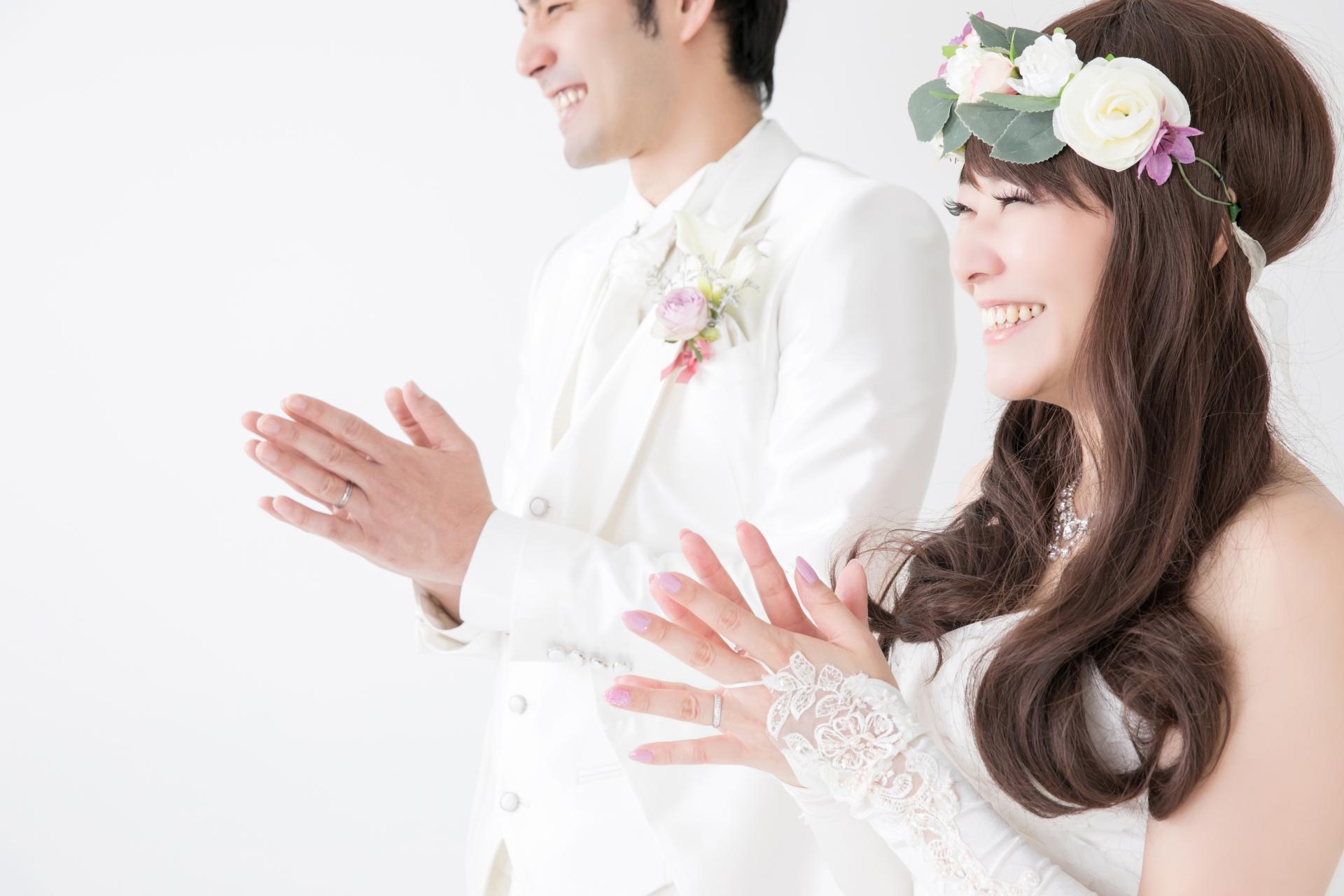 先生の結婚式でサプライズを仕掛ける方法と注意点