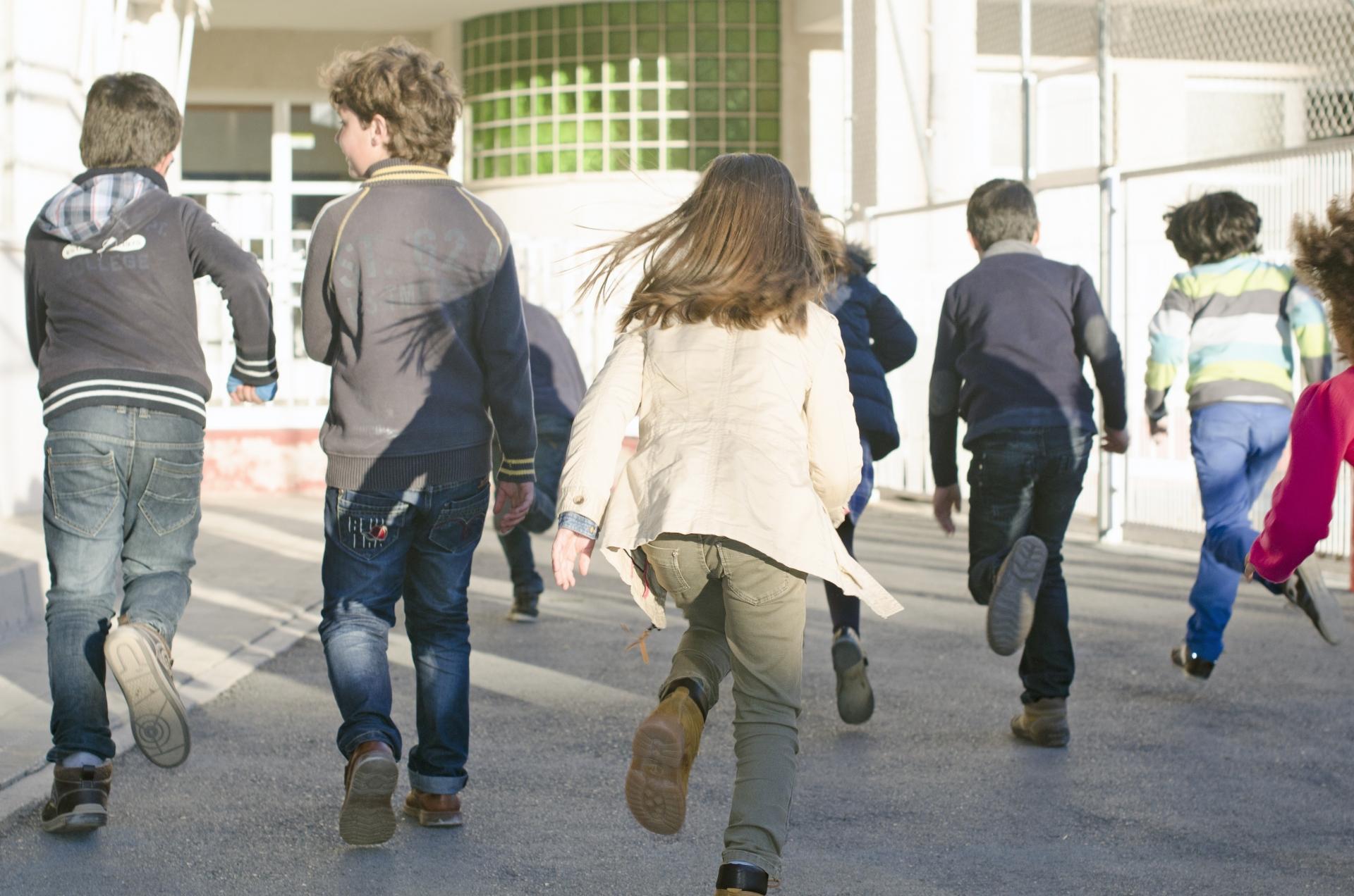 学校を休む理由が家族旅行の場合の連絡方法