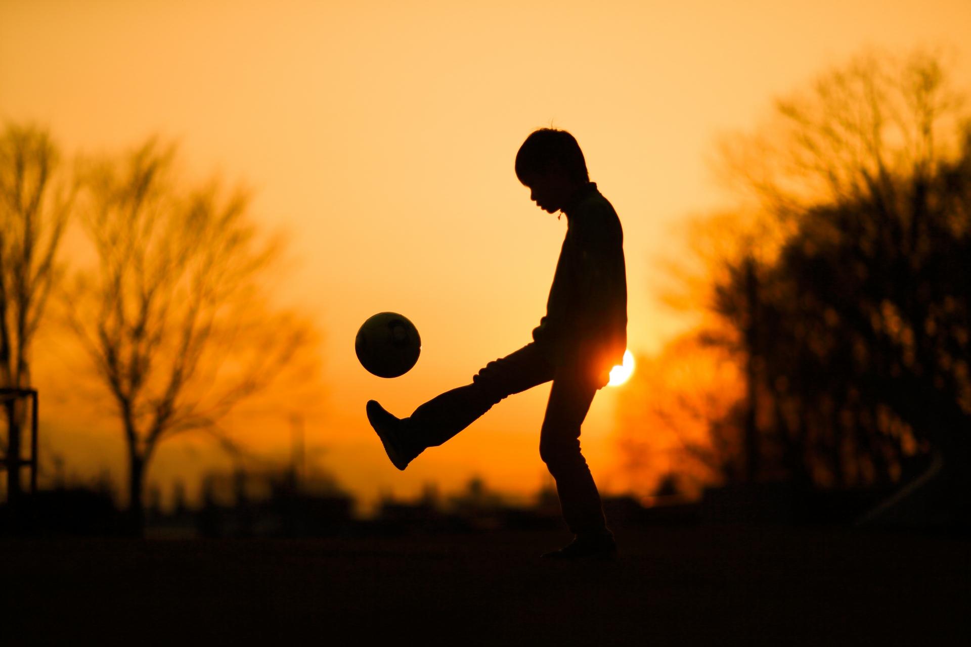 サッカーの練習メニュー!ドリブルのスキルがアップする練習法
