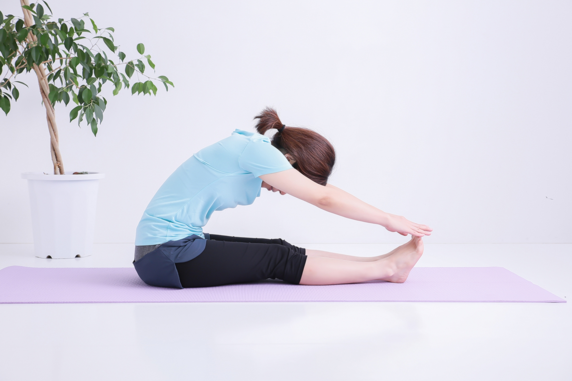 体の柔軟性のチェック。上半身から下半身など部位別にチェック