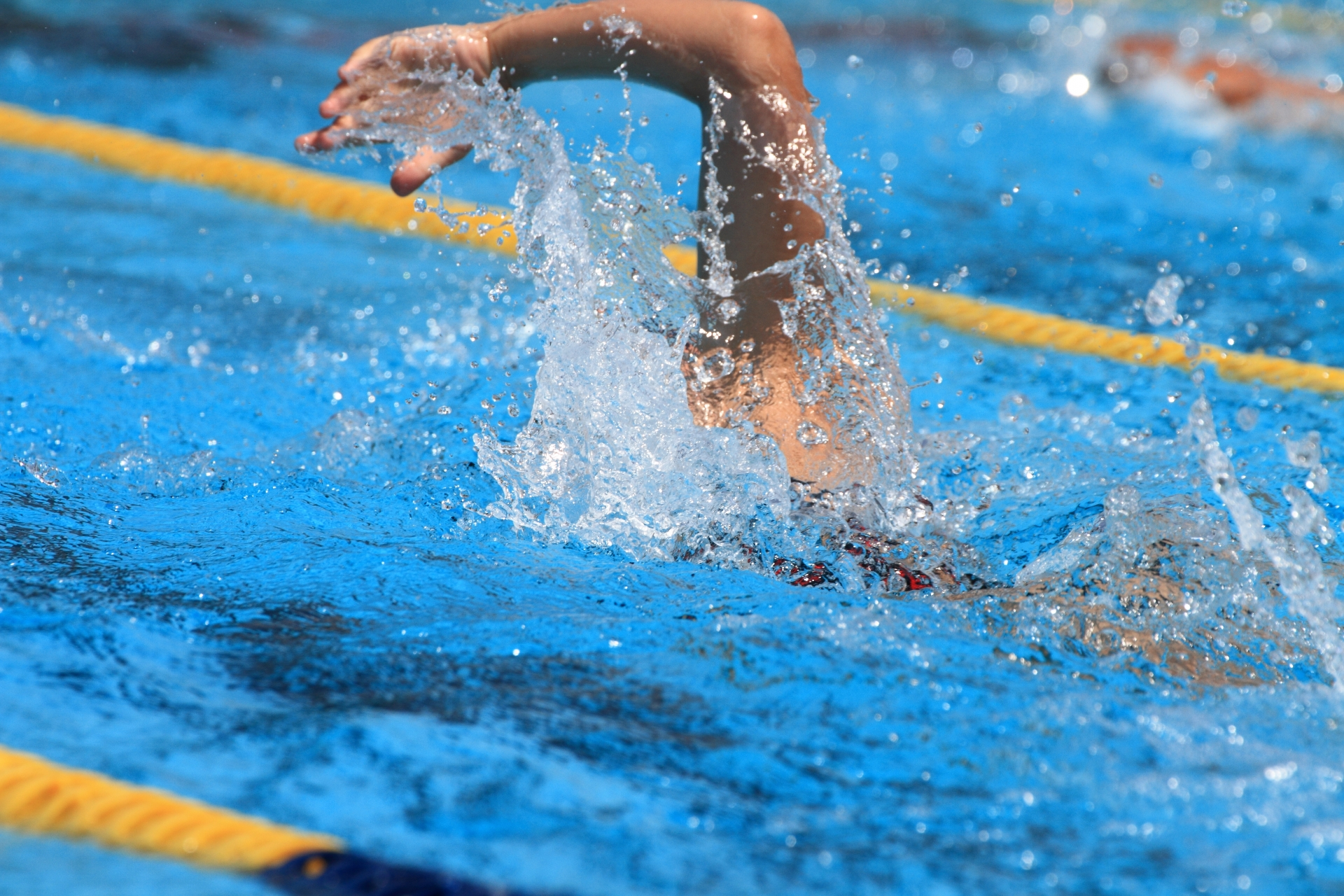 水泳は大会前の食事でパフォーマンスもアップ!注意点やオススメ