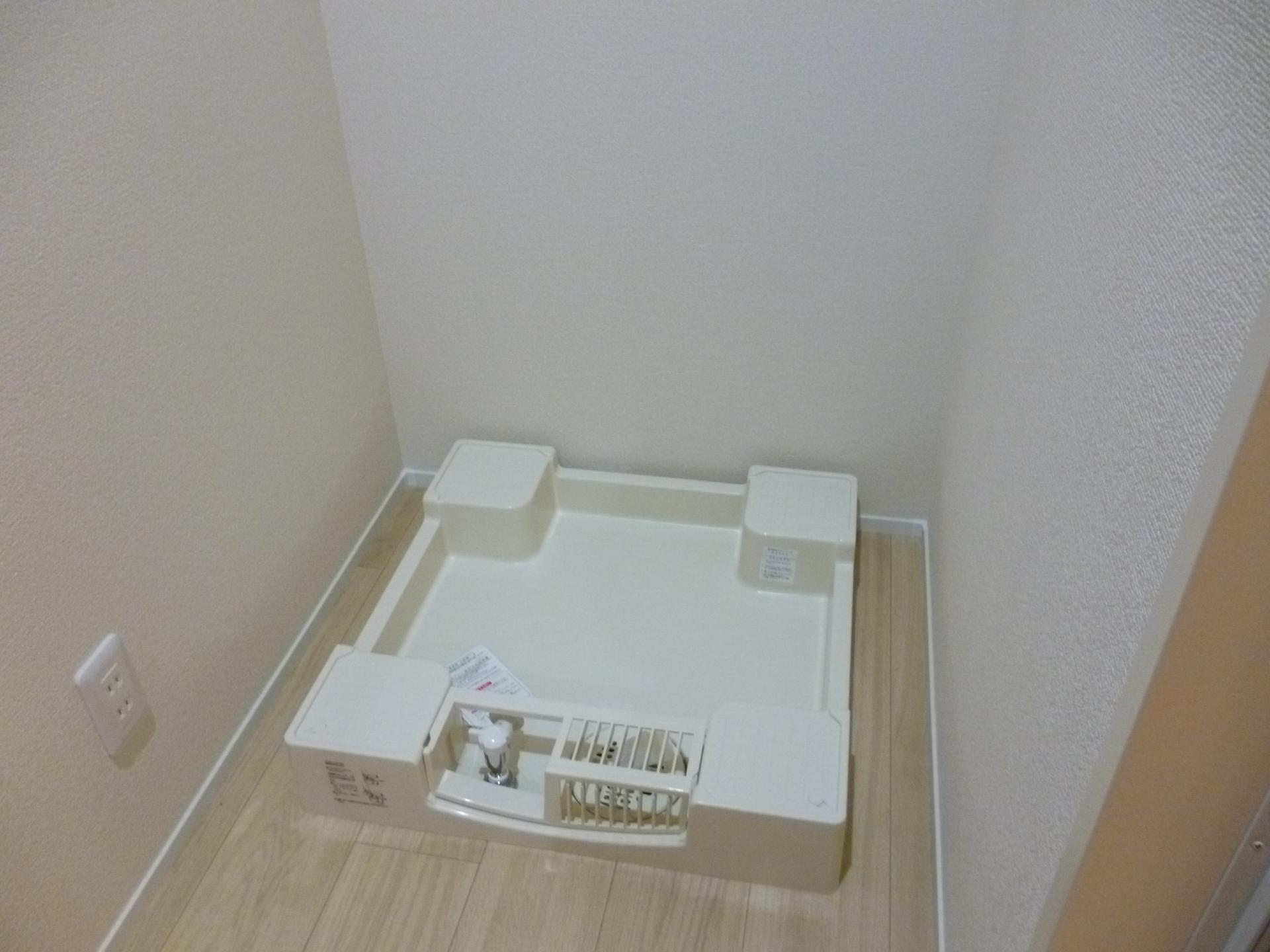 洗濯機の排水トラップの外し方と掃除方法!悪臭の元をさっぱり